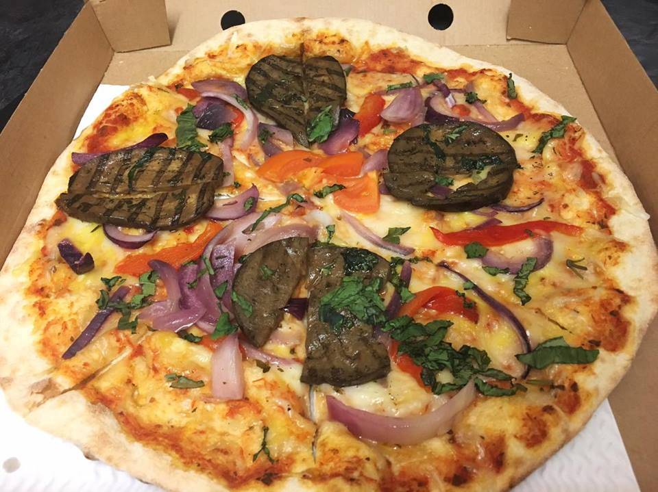 Vegan 'Vegetarian' Pizza from Basilico, Tower Bridge, London