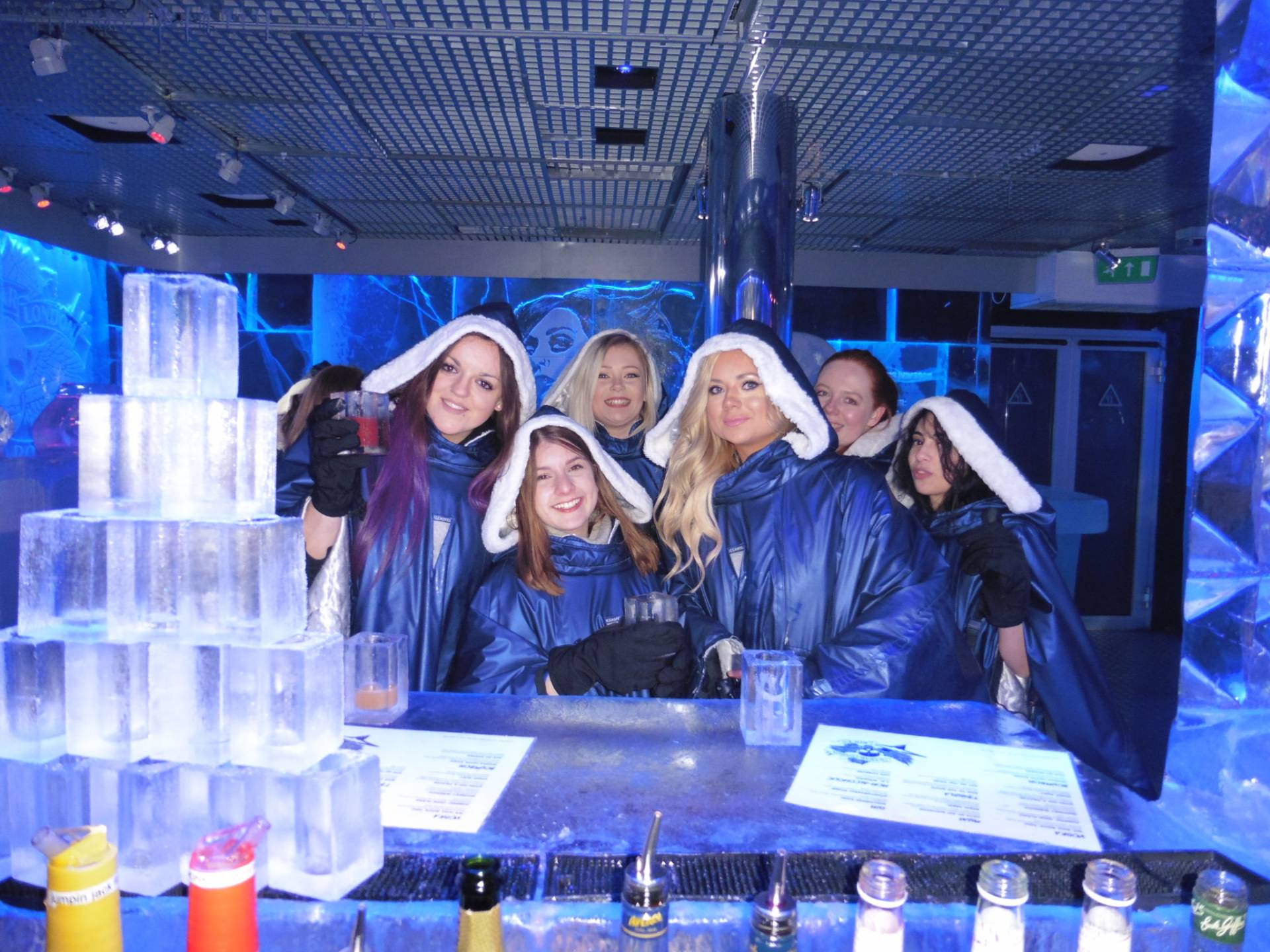 Blogger Babes Drinking Cocktails @ Ice Bar, London